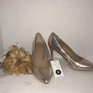 """Shoes - Gold 3"""" High Heel Shoes size 6 New"""